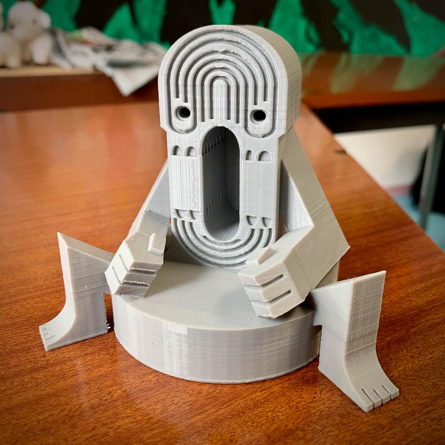 La Statuette de ** ***** ****** imprimée en 3D par Saturn pour la 7th Convention 2019