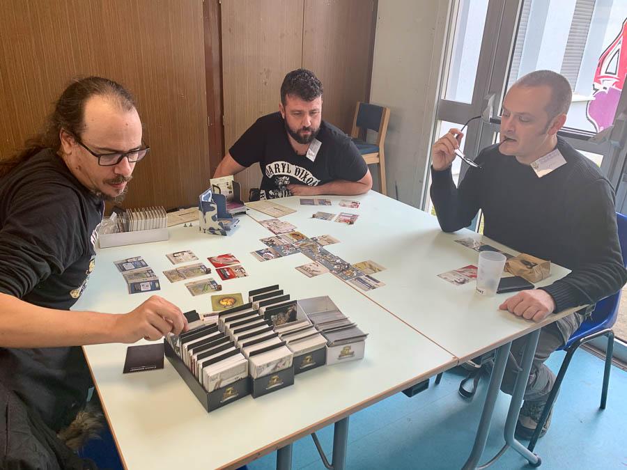 Une table de jeu