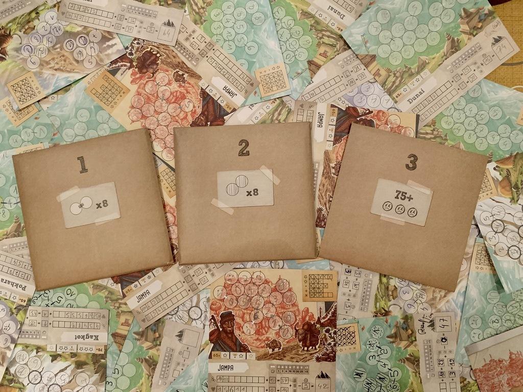 Les 3 enveloppes de Trek 12+1, à ouvrir dans l'ordre